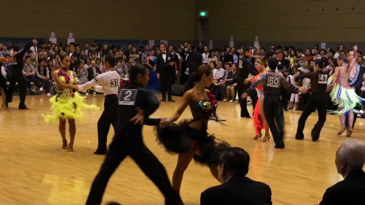 チャチャチャ 社交 ダンス