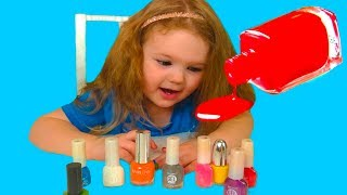 Liza pretend play with magic nail polish colors by Kids Liza