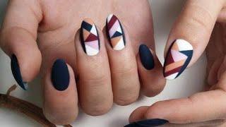 Стильный геометрический маникюр 2020 2021 года модный дизайн ногтей геометрия фото