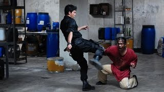 Video The Raid - Drug Room Fight Scene [HD] download MP3, 3GP, MP4, WEBM, AVI, FLV November 2019