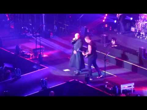 Disturbed - The Light - live @ The O2 Arena, London 21.1.2017