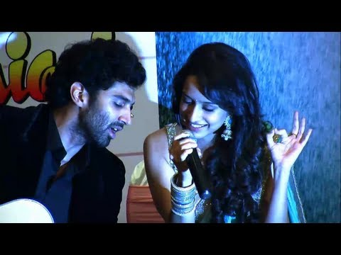 Aditya Roy Kapur And Shraddha Kapoor Live Performance!- Aashiqui 2