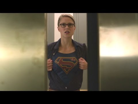 Supergirl exposed during a panic attack Supergirl TVseries