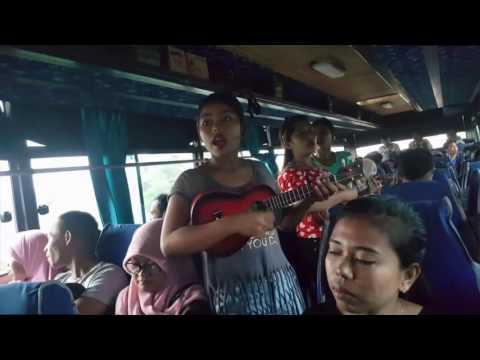 Tiga Gadis Cantik Pengamen Bus Kota CURHAT Kehidupan BEBAS MERDEKA