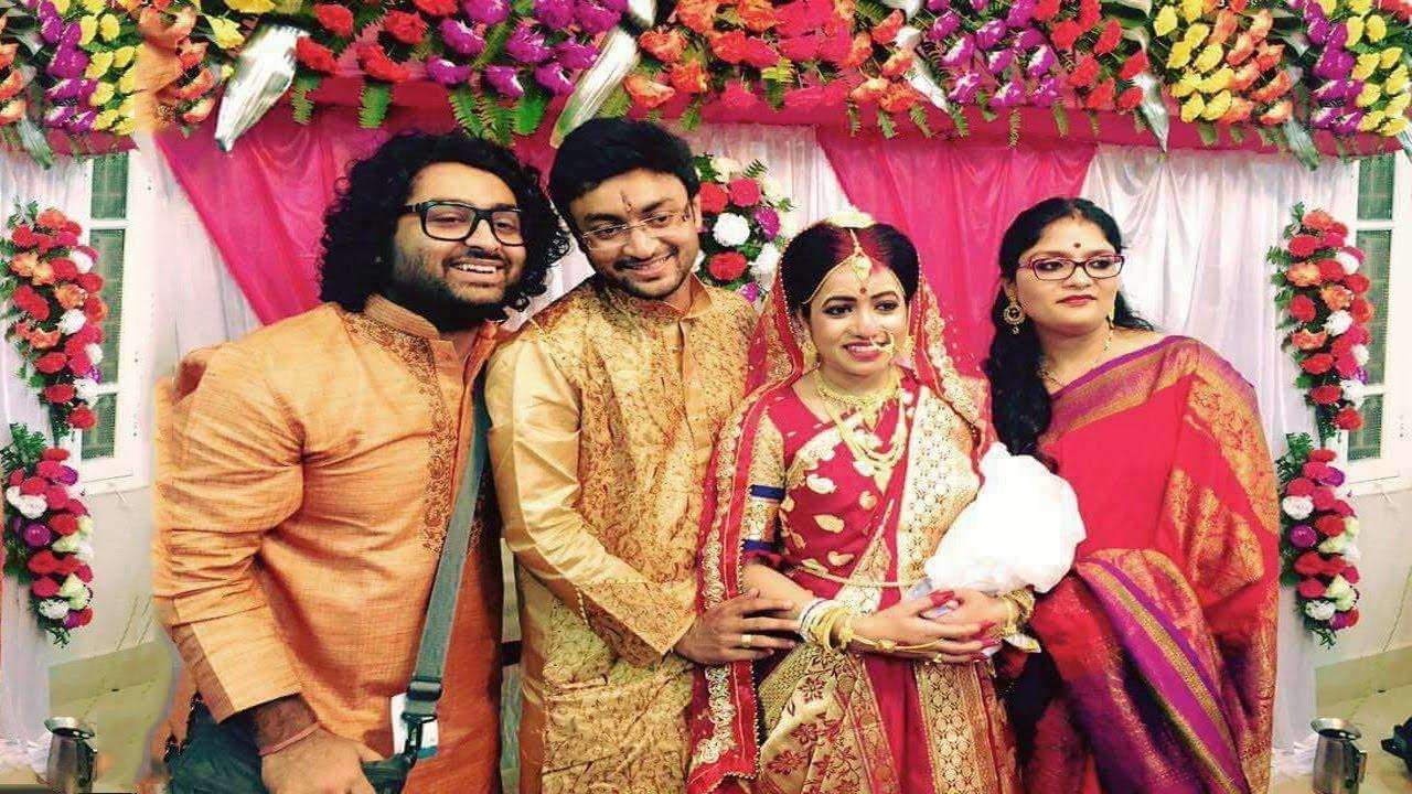 arijit singh enjoying celebrating sister marriage amrita singh youtube