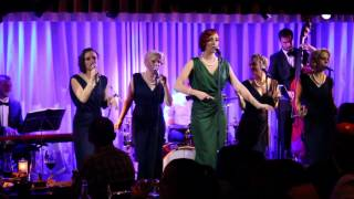 live at quaglinos it don t mean a thing elle the pocket belles