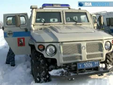 Tigr BTR-80 wheeled armoured vehicle snow test-drive Russian special police Video RIA Novosti.flv