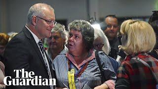 """رئيس الوزراء الأسترالي يتلقى """"رشقة بيض"""""""