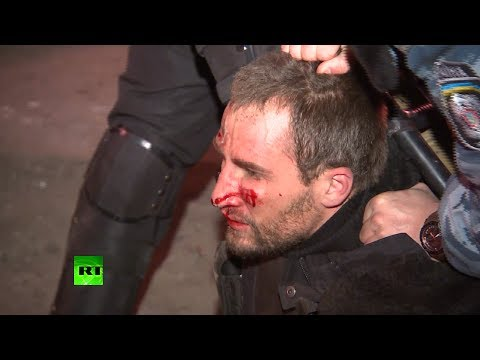 Video: Clashes outside Ukraine presidential HQ, police disperse crowds with batons