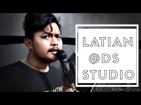 Latian band di rumahnya Om eet Sjahranie EDANE DS Studio