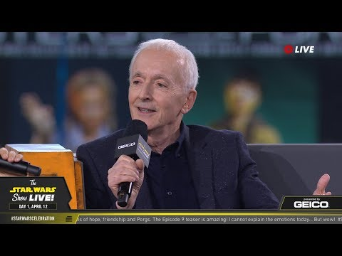 Anthony Daniels Takes The Stage At SWCC 2019 | The Star Wars Show Live!