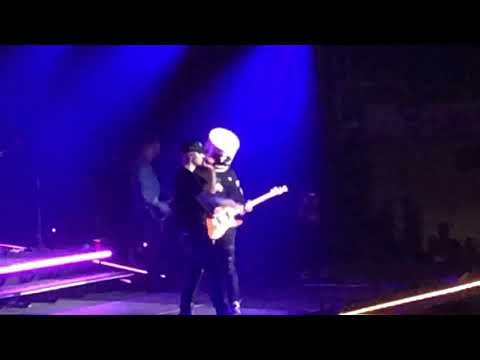 Whiskey and Randy - Kane Brown Teams Up With Marshmello On Stage