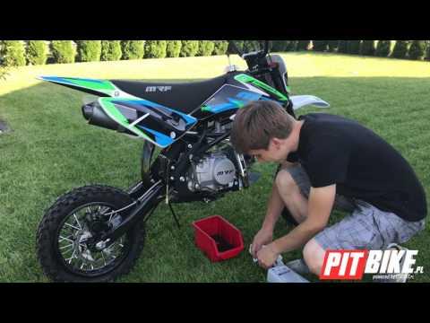 Pierwsze uruchomienie,zmiana oleju i jazda na nowym pitbike ! MRF 140RC