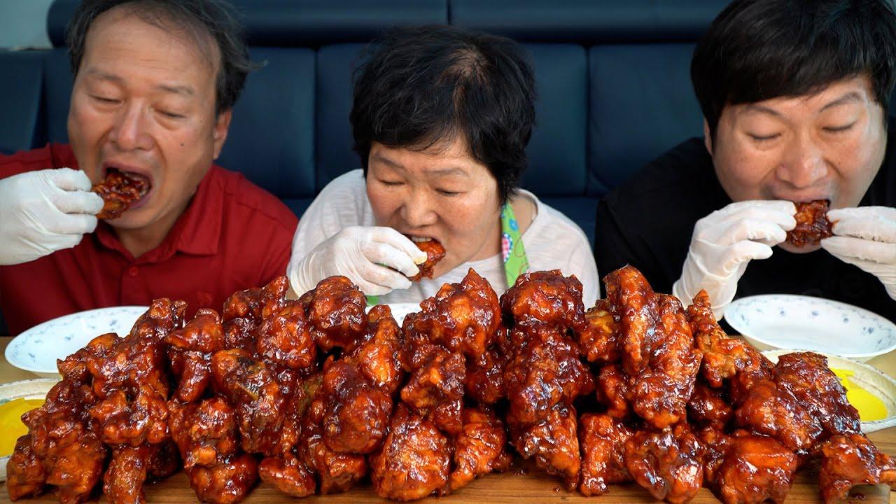 [양념치킨] 가마솥에 튀긴 치킨에 직접 만든 양념 쓱쓱 볶아 만든 양념치킨!! (Seasoned Spicy Chicken) 요리&먹방!! - Mukbang eating show