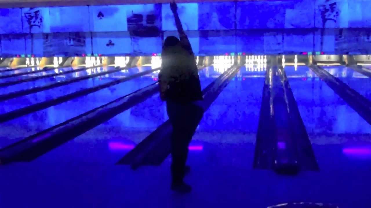 girls-bowling-in-bikinis