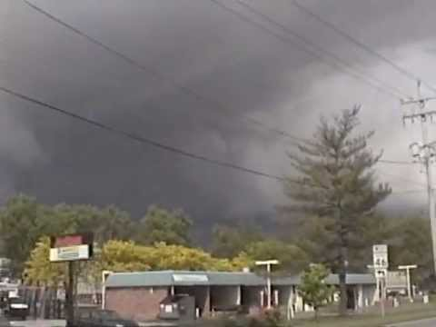 Supercells - Funnel Cloud: May 01, 2012