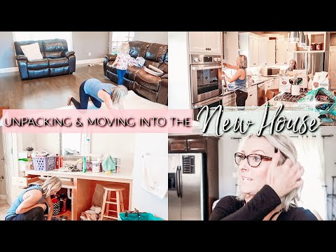 WE MOVED!!! UNPACKING AND CLEANING VLOG| CLEAN WITH ME IN THE NEW HOUSE
