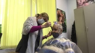 женскаястрижка прическа Женская короткая стрижка с седыми волосами