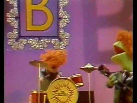 Sesamstraat - The Beetles - Letter B - YouTube