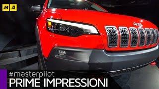 "Jeep Cherokee 2018, nuovo sguardo ""full led"" per la SUV americana | Live from Detroit [ENGLISH SUB]"