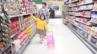 Boram doing Pororo Noodle shopping with Dotchi