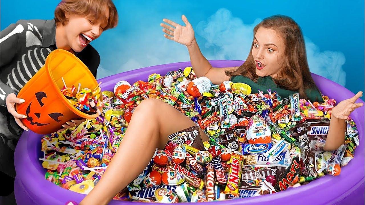 Cara Mendapatkan Permen Saat Halloween / Momen Canggung Yang Lucu