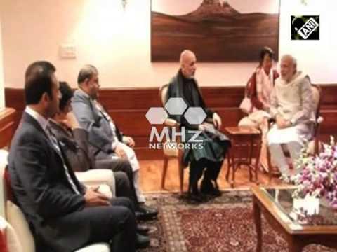 Prime Minister Modi meets former Afghan President Karzai (SAN - 21 Nov, 2014)