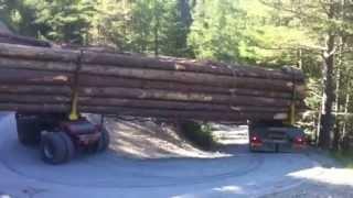 Grumier chargé a 16 mètres dans un virage très spectaculaire en montagne