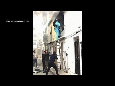 شاهد: مهاجر سنغالي ينقذ رجلا مقعدا في إسبانيا كان منزله يحترق…  - نشر قبل 31 دقيقة