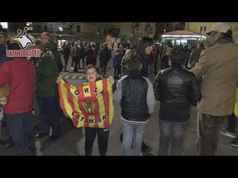 Catanzaro - Monopoli 1-0: i tifosi giallorossi nel DopoStadio