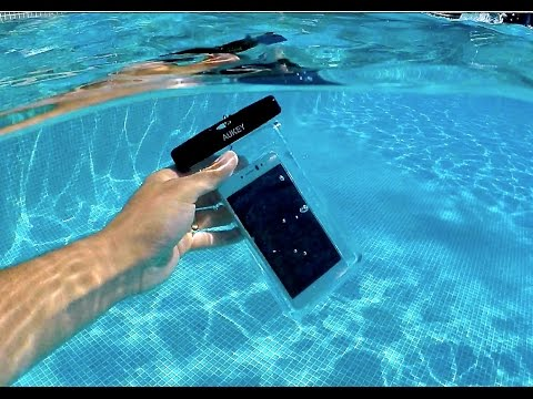 74bdf9b4ddd Funda bolsa móvil Impermeable universal Aukey - YouTube