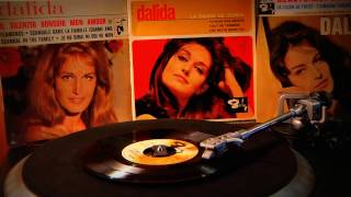 Dalida- Scandale dans la famille (Shame and scandal in the family)