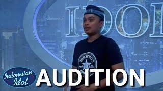 Download Video Menyanyikan lagu DAERAH GORONTALO - Indonesia Idol L 2018 Parodi MP3 3GP MP4