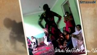 Pashto Mast SonG By Nazia Iqbal With Nice Afghani Girl Dance.
