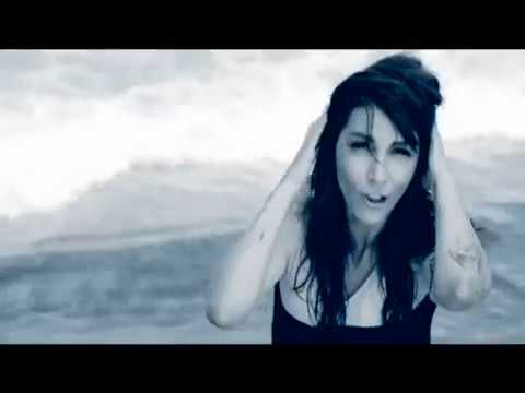 Hande Yener  - Bana Anlat ( Official Video ) indir