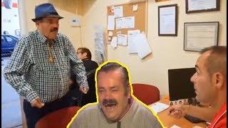 испанец устраивается на работу через центр занятости