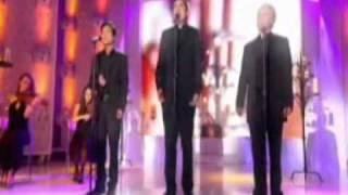 'Les Prêtres' chantent l'envie d'aimer