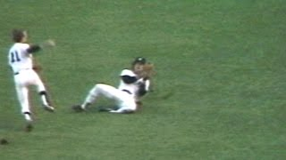 1978ALCS Gm3: Piniella makes sliding catch, ends game
