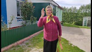 Как в украинском селе празднуют день святой троицы.