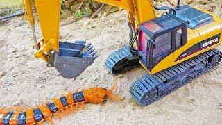 자동차 장난감 덤프트럭 포크레인 구출놀이 Car Toy Play with Centipede
