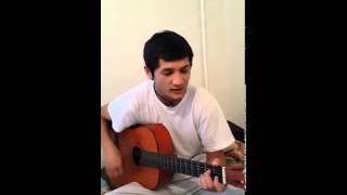 Узбек поет под гитару Тохир гитарист.