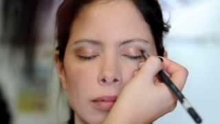 Maquillage naturel et lèvres colorées Thumbnail