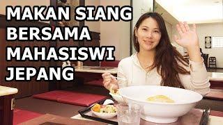 Makan siang bersama mahasiswi Jepang