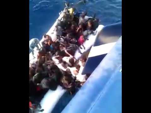 Immigrants been rescue from the sea