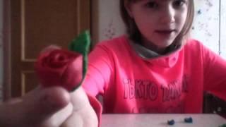 Как сделать розу из пластилина?