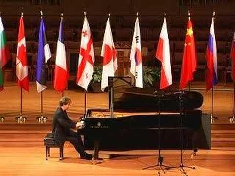 "Alexey Koltakov plays Liszt ""La Campanella"""