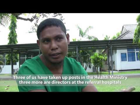 Timor's New Doctors / Los Nuevos Médicos de Timor