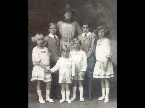 "Alfonso XIII & Victoria-Eugenie ""Ena"" (nee Battenberg) of Spain [It Hurts - 2NE1]"