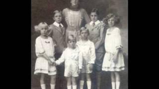 "Alfonso XIII & Victoria-Eugenie ""Ena"" (nee Battenberg) of Spain [It Hurts - 2NE1]"