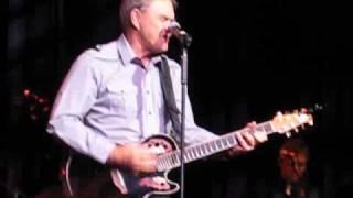 Video Glen Campbell - Love Sick Blues - Glasgow 2010 download MP3, 3GP, MP4, WEBM, AVI, FLV Agustus 2018